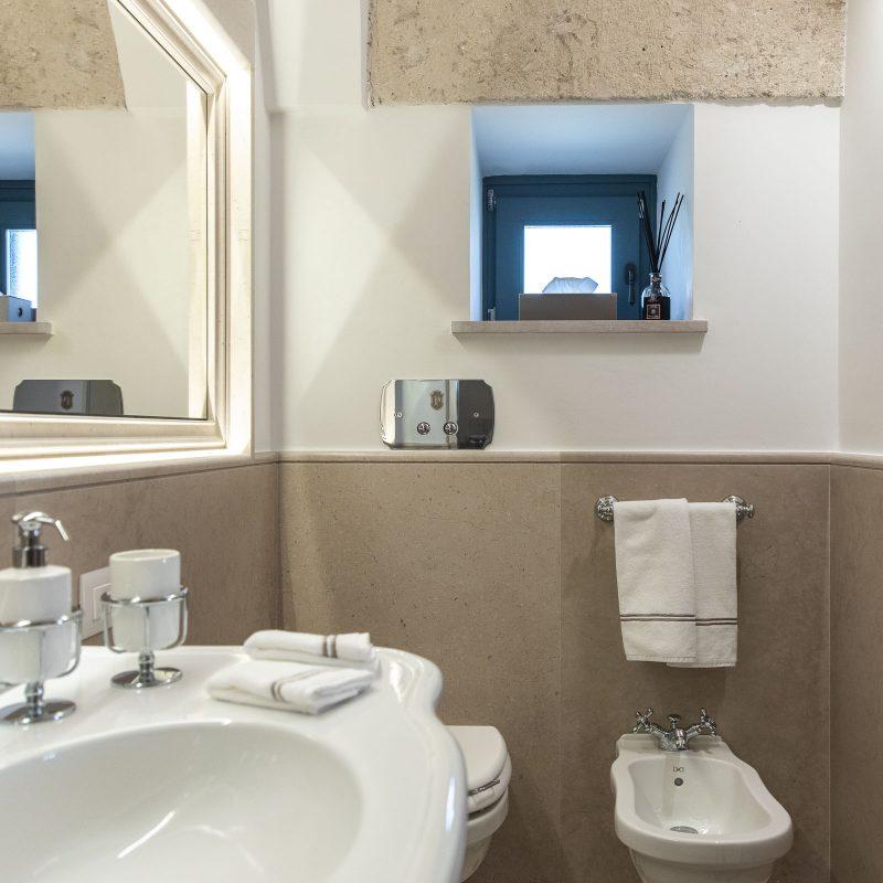 countryhouse-casa-piccola-bathroom2-puglia-villa-countrybred