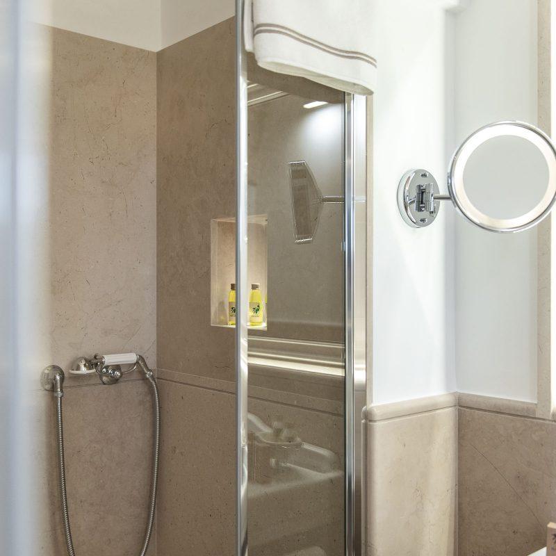 countryhouse-casa-piccola-bathroom3-puglia-villa-countrybred